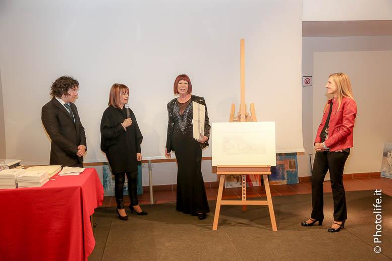 Anna Hurkmans, (2011) La donna del pittore e altri racconti su grandi artisti. Empoli FI: Ibiskos Ulivieri: Premio Speciale della Giuria.